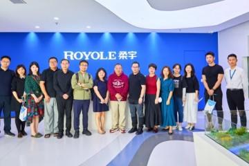 澳门科技大学到访柔宇:柔性电子技术为人类打开想象空间的大门